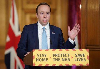 """El ministro de Sanidad británico pide que los futbolistas de la Premier """"hagan su parte"""" recortándose el sueldo"""