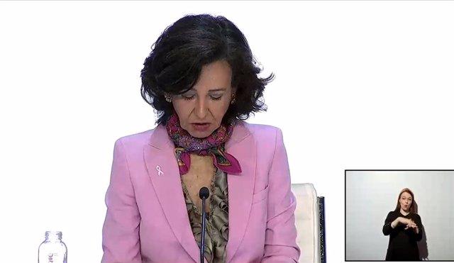 La presidenta de Banco Santander, Ana Botín, durante la junta general ordinaria de accionistas de Santander, retransmitida telemáticamente por el Covid-19.