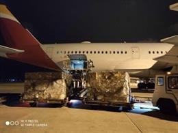 Avión de Iberia con material sanitario.