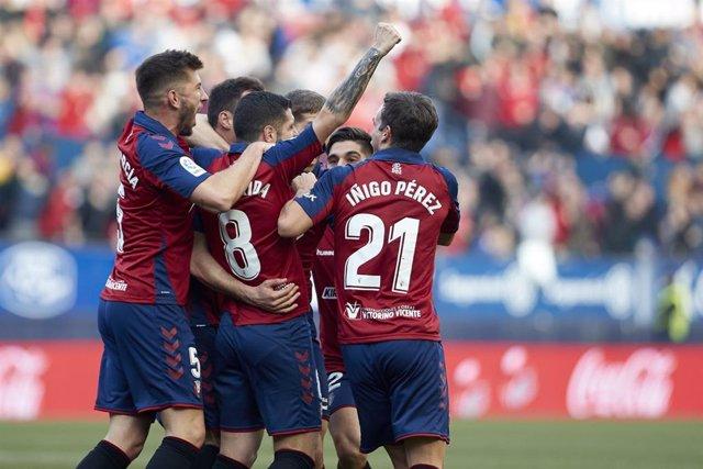 Los jugadores de Osasuna celebran el gol ante el Real Madrid en LaLiga Santander 2019-2020