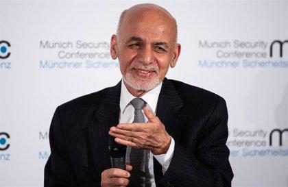 Ghani propone que sea su rival político Abdulá quien encabece el proceso de paz con los talibán en Afganistán