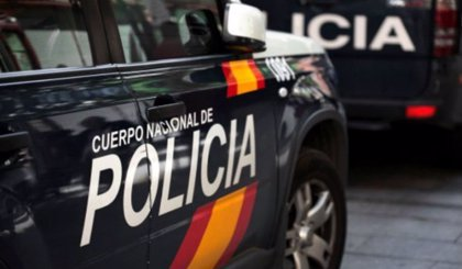 La Policía Nacional sorprende a un niño canario por su 5º cumpleaños haciendo sonar las sirenas de sus coches patrulla