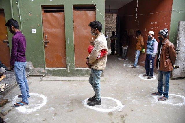 Coronavirus.- India confirma un repunte sin precedentes de 600 casos en las últi