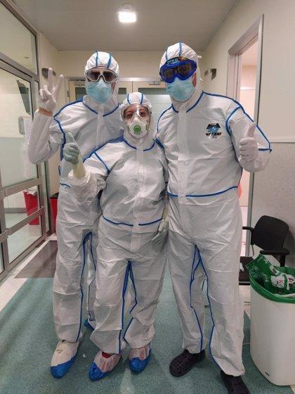 AEMEDSA dona 100 trajes químicos al Hospital Santa Lucía de Cartagena