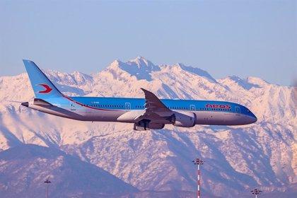 Un avión con 2,5 millones de mascarillas llega esta tarde a Barajas desde China