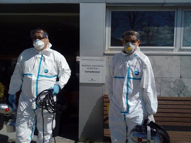 El Ejército empieza a actuar en Girona desinfectado de coronavirus una residencia de Campdevànol (Girona)