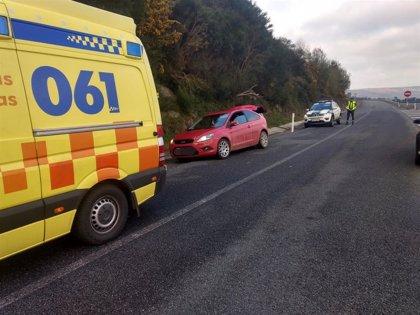 La Guardia Civil asiste en el parto de una bebé que nació en un arcén de la autopista en Xermade (Lugo)