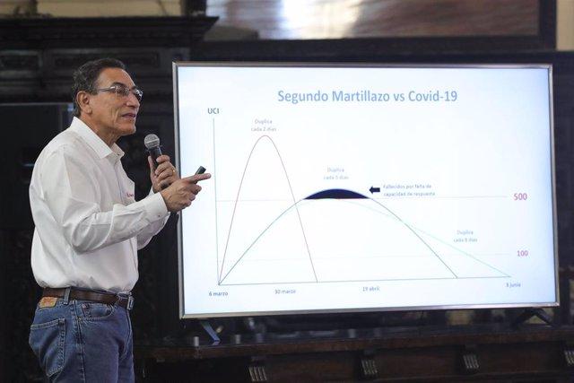 Imagen del presidente de Perú, Martín Vizcarra, hablando sobre el avance del coronavirus.