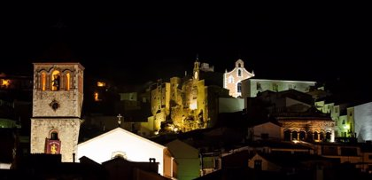 Vecinos de Beas y La Puerta (Jaén) se saltan el confinamiento con una fiesta y simulando una procesión