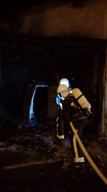 En estado grave una mujer intoxicada en el incendio de su vivienda en Zizur