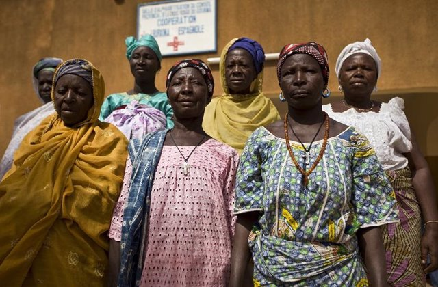 Coronavirus.- Los países africanos endurecen restricciones mientras los contagio