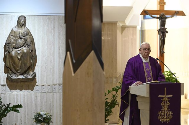 Coronavirus.-El Papa pospone la entrega de la cruz de madera de la JMJ a jóvenes