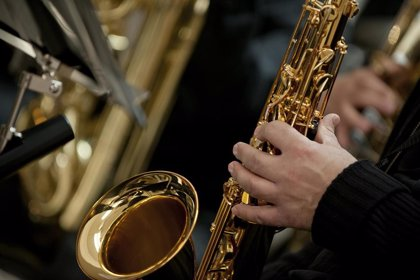 Músicos ourensanos hacen sonar sus instrumentos para romper la rutina del confinamiento