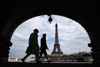 Las muertes en Francia caen de las 441 del sábado a las 357 de este domingo
