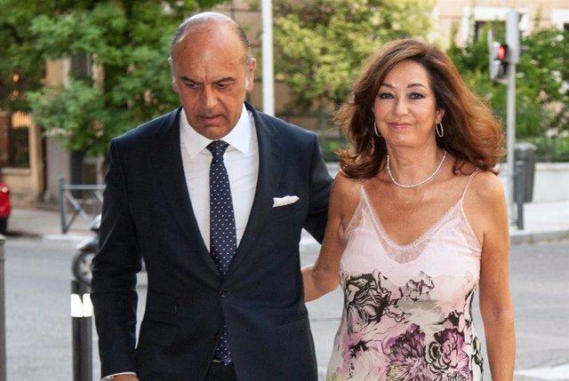 Ana Rosa Quintana y su marido Juan Muñoz en foto de archivo
