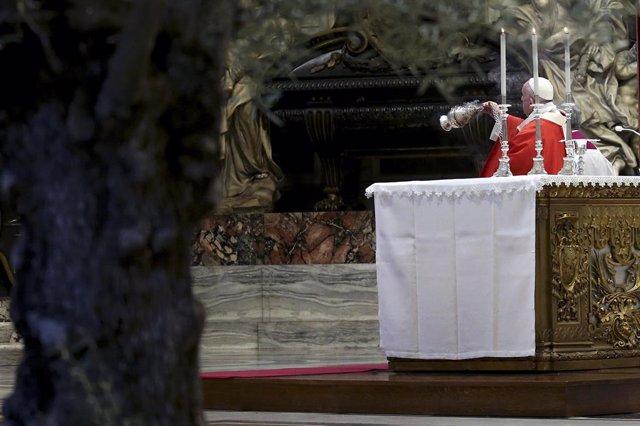 El Papa en la celebración del Domingo de Ramos este domingo en el Vatiano