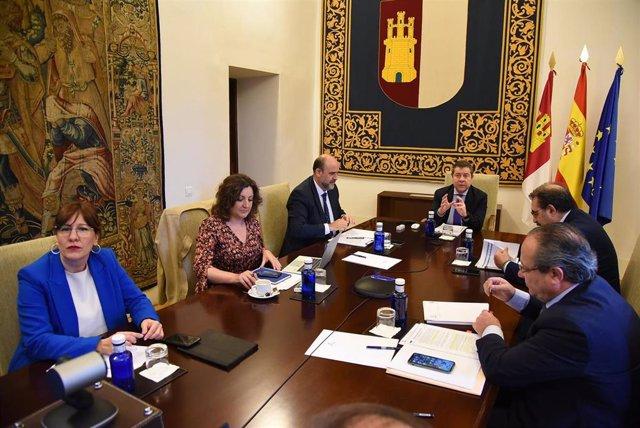 Reunión Gobierno regional con diputaciones