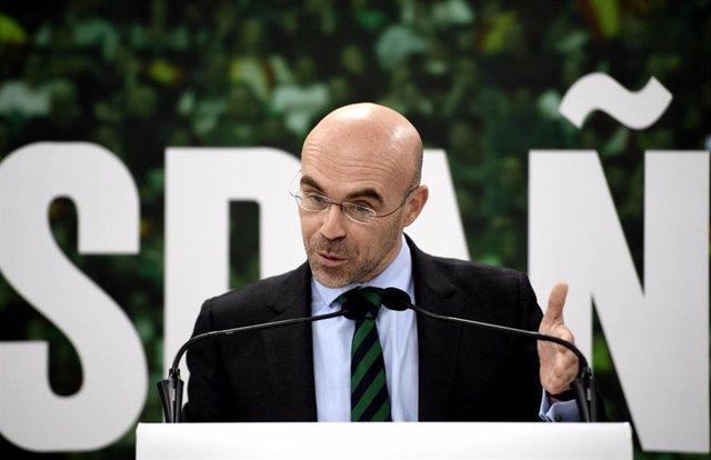 El portavoz de la dirección de Vox, el eurodiputado Jorge Buxadé, en rueda de prensa