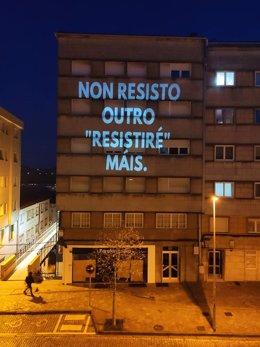 Proyección sobre un edificio de la Rúa de Os Concheiros de Santiago