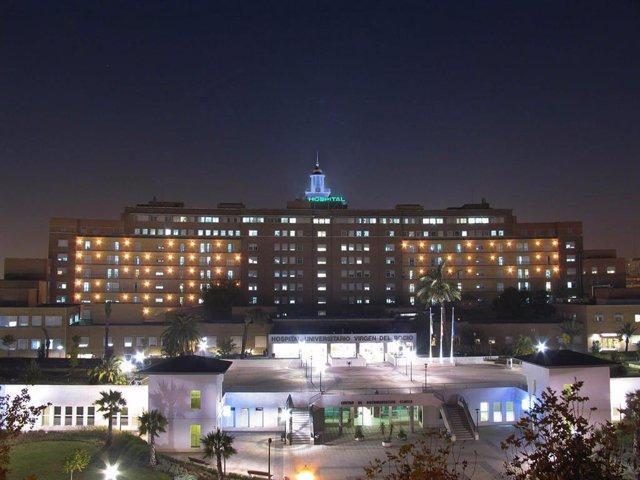 Fachada del hospital general del Virgen del Rocío