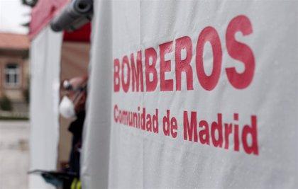 Las aperturas de puertas de Bomberos de Madrid subieron en marzo un 57%, muchas por mayores muertos solos