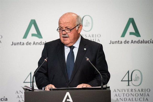 El consejero de Salud y Familias, Jesús Aguirre, en rueda de prensa.