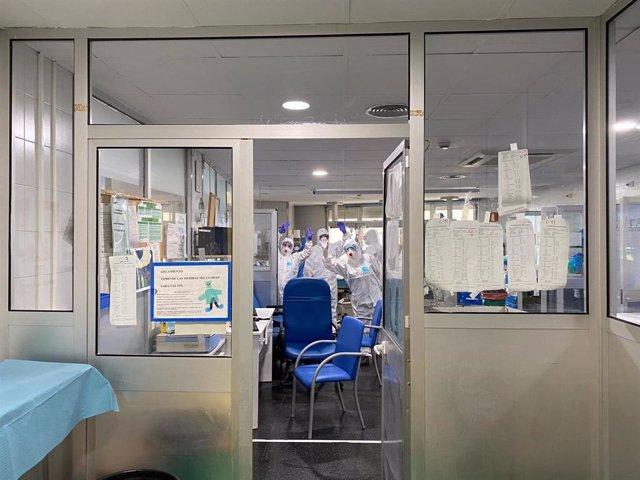 Profesionales de la UCI del Hospital Regional de Málaga extuban con éxito a siete pacientes con coronavirus