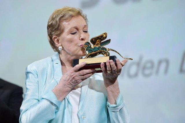 Julie Andrews recibe el León de Oro en el Festival de Venecia