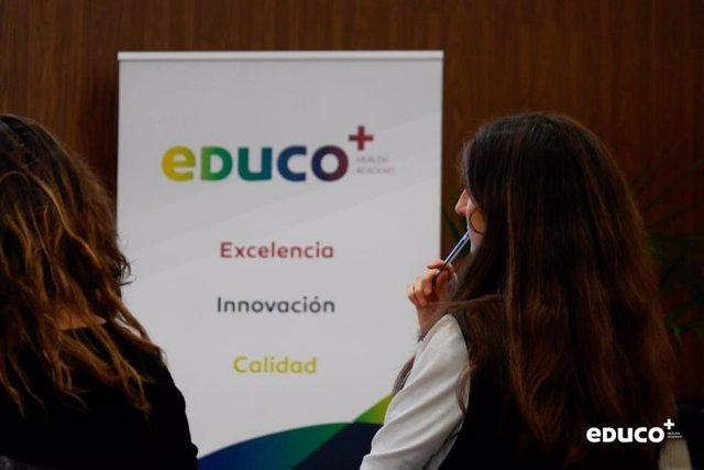 EDUCO+ Health Academy (Cofares) crea un seminario para estudiantes de Farmacia para completar las prácticas