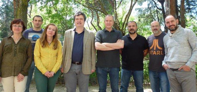 Victoria Ramos, Alfredo Burgos, Mª José de Tena Dávila, Ricardo Sánchez, Adolfo Muñoz, Mario Pascual, Santiago Pérez y Alejandro Pozo, de la Unidad de Investigación en Salud Digital del ISCIII.
