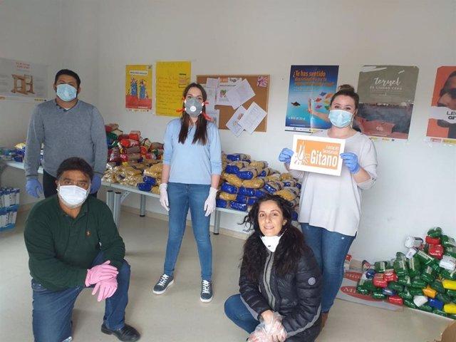 Ayuntamiento de Teruel, Banco de Alimentos y Fundación Secretariado Gitano reparten comida a 44 familias vulnerables