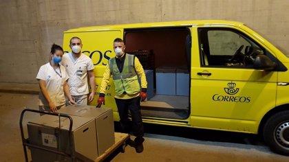 Correos reparte gratuitamente los respiradores que Seat fabrica para enfermos de Covid-19