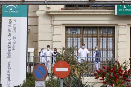 Profesionales sanitarios de Málaga comienzan a alojarse fuera de sus domicilios