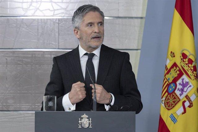 El ministro del Interior, Fernando Grande-Marlaska, durante una rueda de prensa en relación al coronavirus, en Moncloa, en Madrid (España) a 5 de abril de 2020.