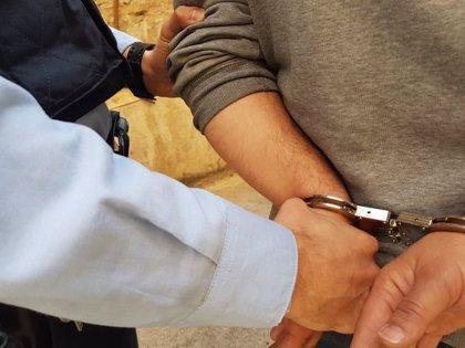 Cinco detenidos en un narcopiso de Barcelona tras presuntamente retener tres días a un hombre