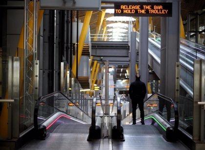 """S&P alerta de que volverá a rebajar los ratings de aerolíneas en """"semanas o meses"""" por el coronavirus"""