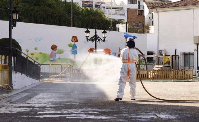 Personal del Infoca lleva a cabo labores de desinfección