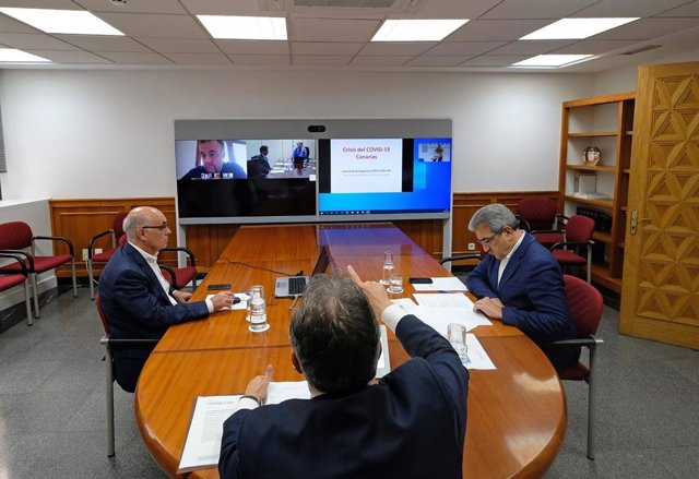 El presidente de Canarias, Ángel Víctor Torres, preside el comité de emergencia sanitaria del coronavirus