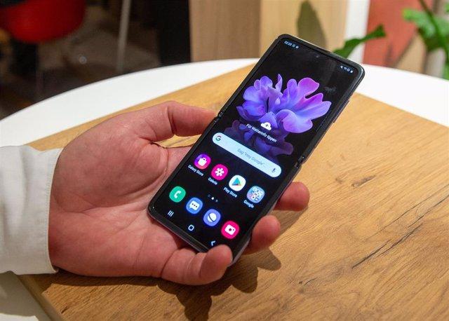 """Smartphone """"Galaxy Z Flip"""" de Samsung"""