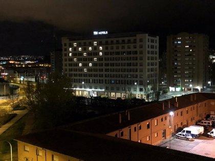 Los establecimientos de NH Hotel Group en todo el mundo iluminan sus fachadas con corazones