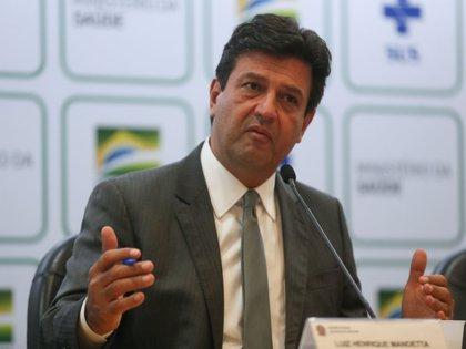El ministro de Salud brasileño se reafirma en el cargo tras sus diferencias con Bolsonaro