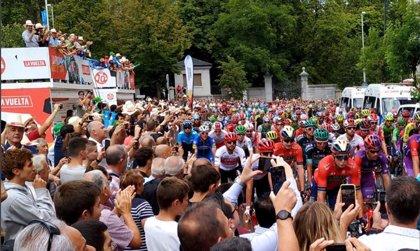 El 90% de los aficionados al ciclismo considera que el paso de La Vuelta fomenta el turismo en sus localidades