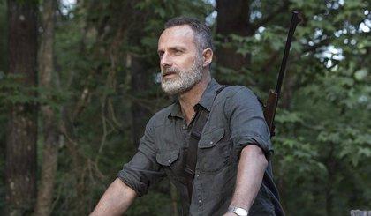 Tráiler de The Walking Dead: World  Beyond... ¡con Rick Grimes!