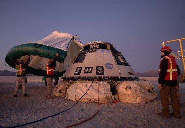 Primera nave Starliner a su regreso a la Tierra