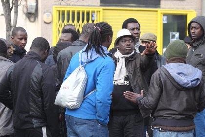 Entidades de apoyo a migrantes denuncian barreras idiomáticas y falta de intérpretes para consultas sobre COVID-19