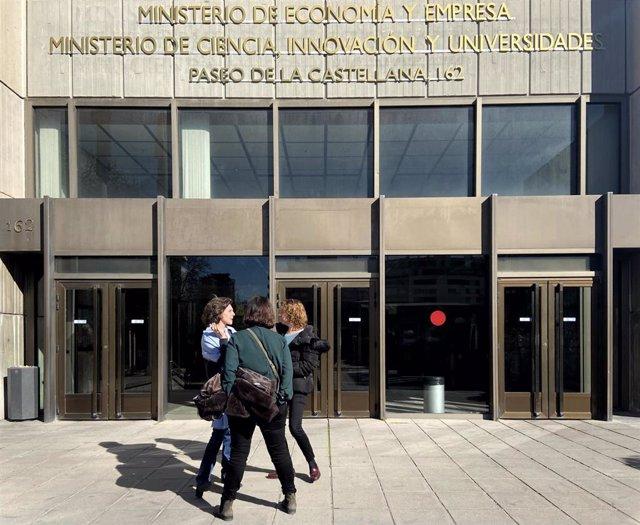 Entrada al Ministerio de Economía y Empresa y al Ministerio de Ciencia, Innovación y Universidades, en Madrid (España) a 24 de febrero de 2020.
