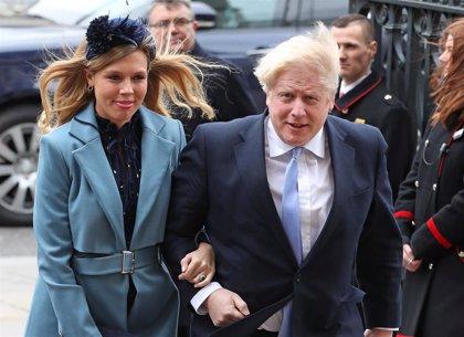 Carrie Symonds, la prometida de Boris Johnson, tomará las decisiones de su estado de salud