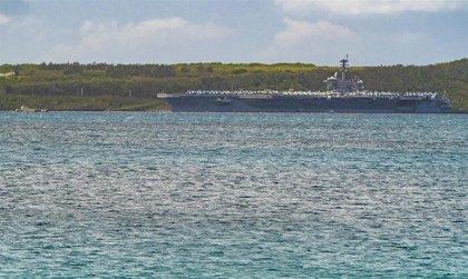 """El jefe de la Armada de EEUU presenta su dimisión tras llamar """"estúpido"""" al capitán de un portaaviones"""