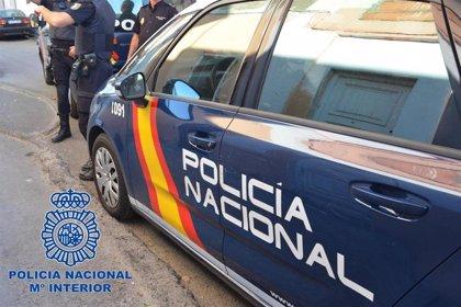 Detenido en Talavera por robar en vehículos en la calle mientras fingía que paseaba a su perro