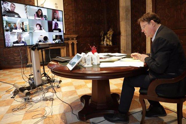 Puig se reúne por videoconferencia con los portavoces de los grupos parlamentarios, así como con Oltra, Barceló y Dalmau
